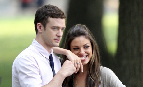 Justin Timberlake Gropes, Denies Dating Mila Kunis