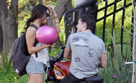 Spotted: Vanessa Hudgens and Josh Hutcherson!