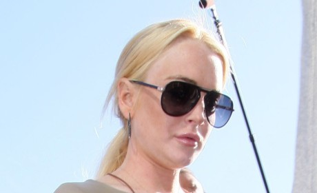 Lindsay Lohan Denies Hiding in the Closet From Deranged Dad