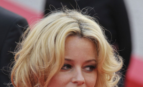 Hunger Games Casting Rumor: Elizabeth Banks as Effie Trinket?