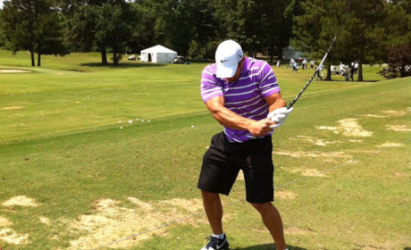 Tim Tebow Golf Pic: Ripped or a Rip-Off?