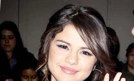 Selena Gomez Tweets Gratitude to Fans