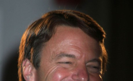 John Edwards Admits Fathering Rielle Hunter Love Child; No One Surprised