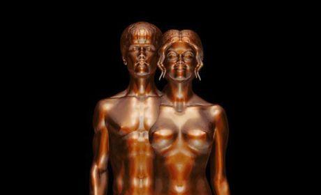 Selena Gomez and Justin Bieber Nude Statue: WTH?!?