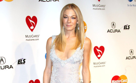 LeAnn Rimes Cibrian Lays Into Weight Critics on Twitter