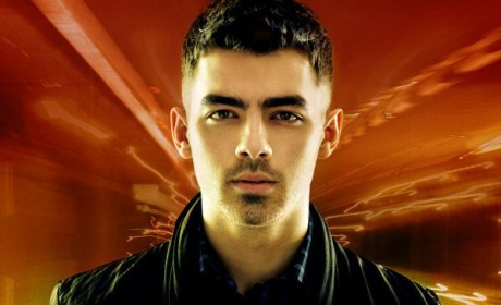 "Joe Jonas Unveils ""FastLife"" Album Cover"