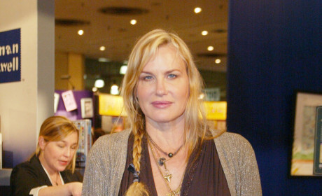 Daryl Hannah Arrested Over Pipeline Protest