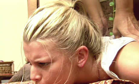 Jessica Simpson: Under the Knife, Under Examination