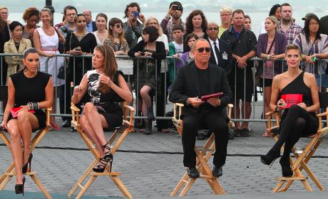 Kim Kardashian Goes Goth, Kraves Attention