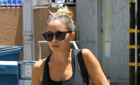 Nicole Richie is Putting On the Pounds!