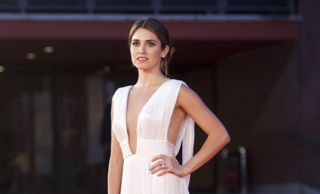 Twilight Saga Gals Speak on Franchise Appeal, Hot Hunks and More