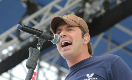 Rodney Atkins, Country Music Singer, Accused of Smothering Wife Via Pillow