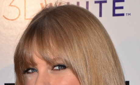 Which hairstyle is best on Taylor Swift?