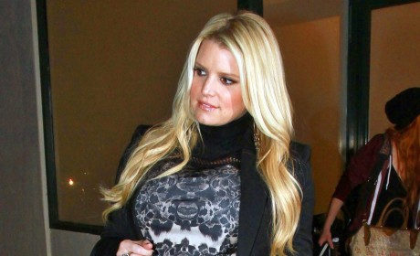 Jessica Simpson: Baby Bumpin' and Beautiful!