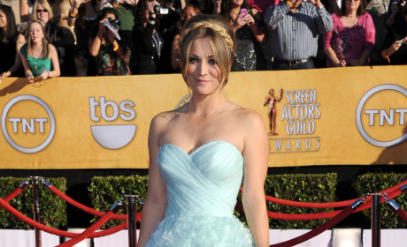 SAG Awards Fashion Face-Off: Kaley Cuoco vs. Shailene Woodley
