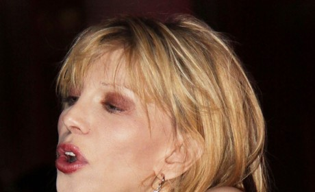 Courtney Love Makes Like Nicole Richie, Keira Knightley, Angelina Jolie, The Olsen Twins ...
