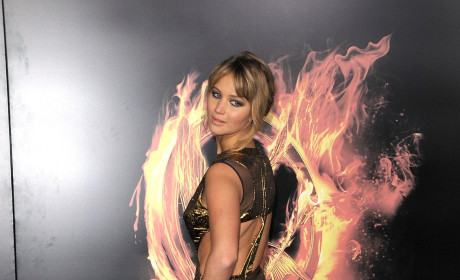 Who looked prettier on the Hunger Games premiere red carpet?