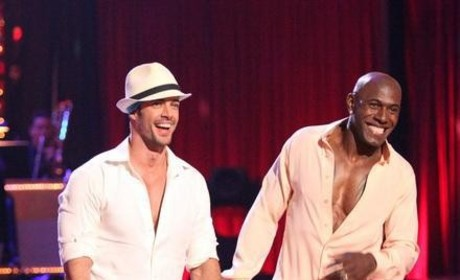 Which DWTS star is hotter?