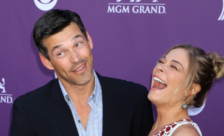 Spotted Kissing: LeAnn Rimes and ... Dean Sheremet!