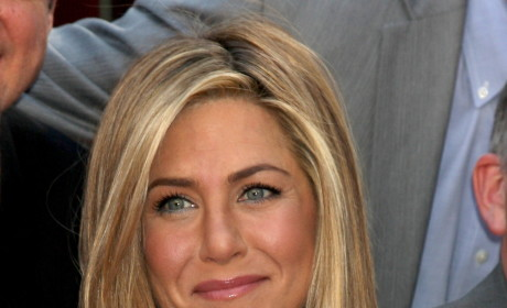 Jennifer Aniston Could Use a Pretend Husband