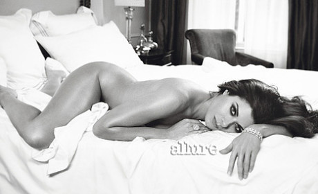 Debra Messing Nude