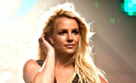 Britney Spears, Jordin Sparks: The New Song Showdown