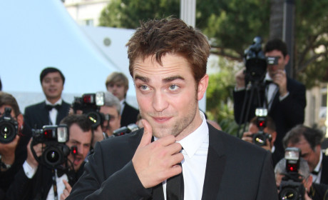 Robert Pattinson Rumored for Role of Finnick Odair in Catching Fire