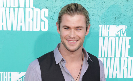 Chris Hemsworth or Andrew Garfield: Who looked better at the MTV Movie Awards?