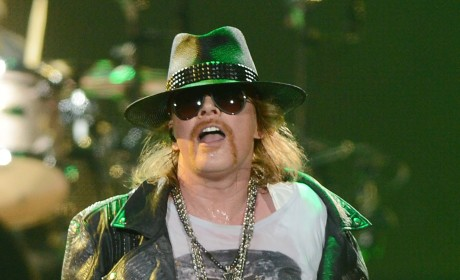 Axl Rose Robbed in Paris