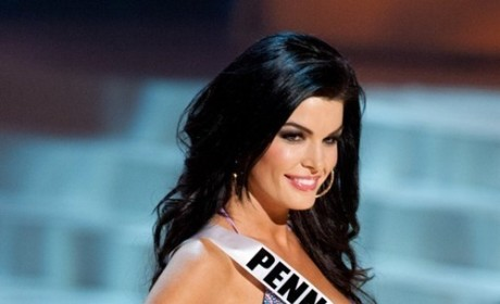 "Sheena Monnin Text Messages Bash Miss Colorado and Miss South Carolina, Outline ""Conspiracy"""