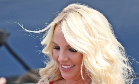 Britney Spears Cleavage Photo
