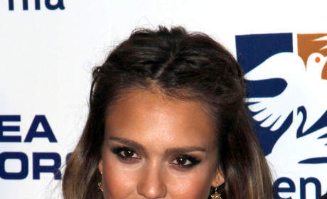 Celebrity Hair Affair: Jessica Alba