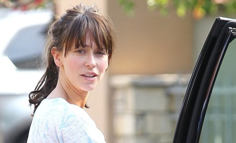 Jennifer Love Hewitt Leaving Gym