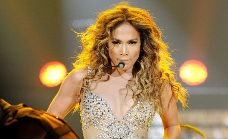 Jennifer Lopez: Topless For Graphic Sex Scene!