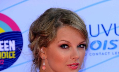 Taylor Swift and Conor Kennedy: It's Official!