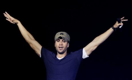 Enrique Iglesias on Stage