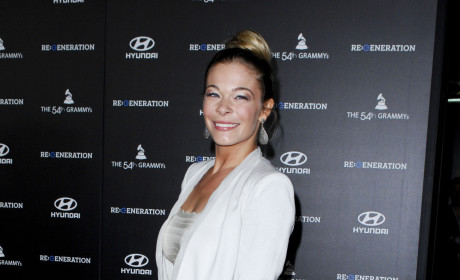 LeAnn Rimes Sues Women For Illegal Phone Tapping, Invasion of Privacy