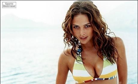 Josie Maran, Bikini