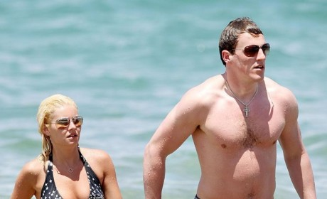 Elisha Cuthbert: Engaged to Dion Phaneuf!