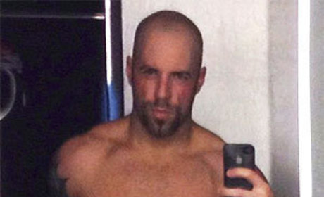 Chris Daughtry Shirtless Photo: Tweeted, Ripped!