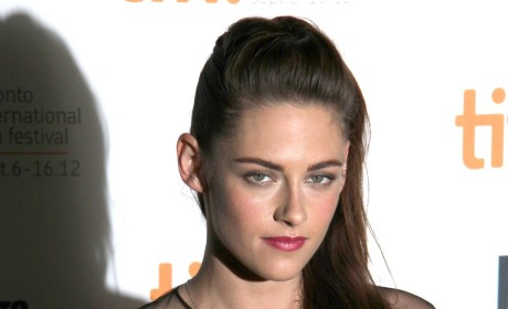 Kristen Stewart Makes First Post-Scandal Public Appearance