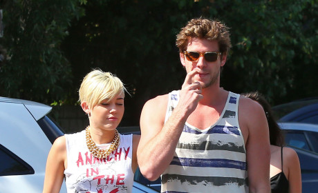 Cyrus and Hemsworth