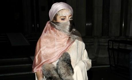 Lady Gaga, Burqa