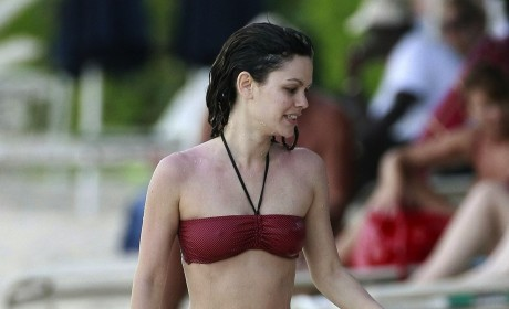 Rachel Bilson Bikini Photos: THG Hot Bodies Countdown #74!