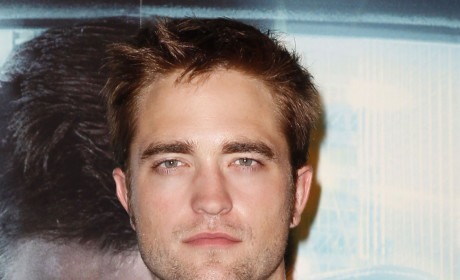Mother of Kristen Stewart: Pushing for Robert Pattinson!