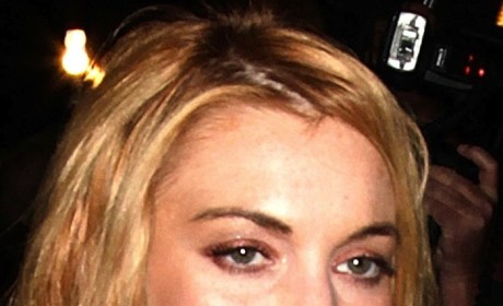 "Lindsay Lohan and Dina Lohan Fight; Police Rush to Break Up ""Violent Altercation"""