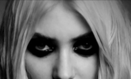 Taylor Momsen: Nude in New Pretty Reckless Video!