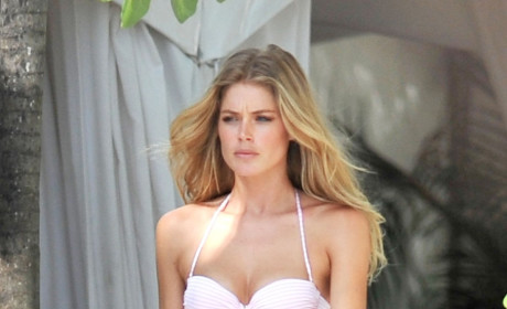 A Doutzen Kroes Bikini Photo