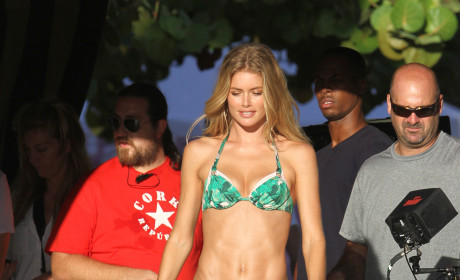 Doutzen Bikini Photo
