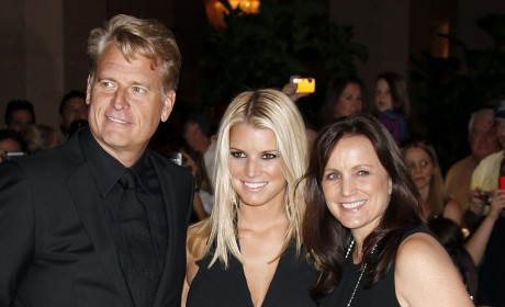 Joe, Jessica and Tina Simpson